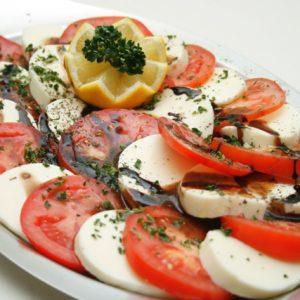 2308 Tomate-Mozarella-Platte (mind. 500g)
